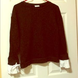Tops - *Black sweatshirt with white cuffs